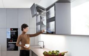 Tay nâng cánh tủ đôi tủ bếp Blum Aventos HF